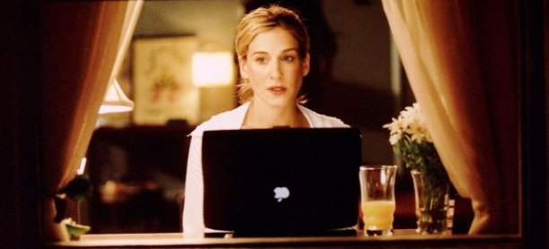carrie-bradshaw-typing