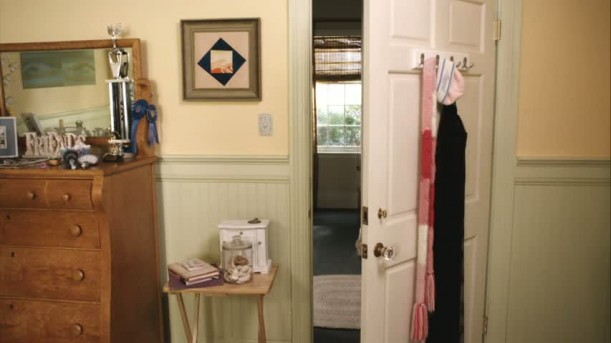 door-and-dresser-in-Emilys-room-611x343
