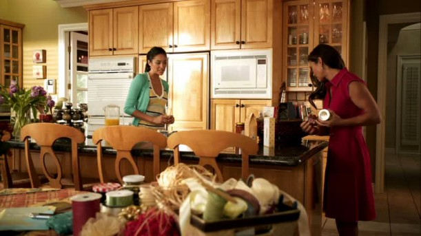 Pretty-Little-Liars-Emilys-kitchen-611x343